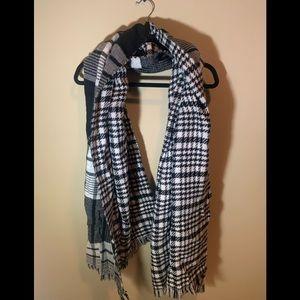 EXPRESS Coldwear Scarf